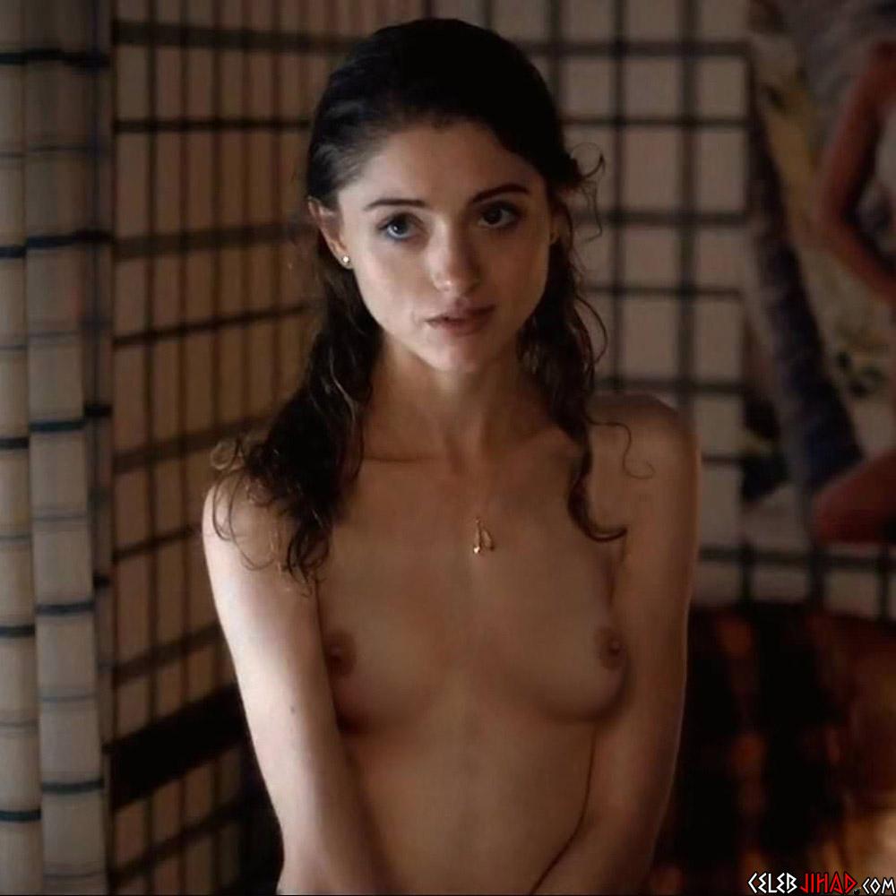 """Natalia Dyer Deleted """"Stranger Things"""" Nude Scene"""