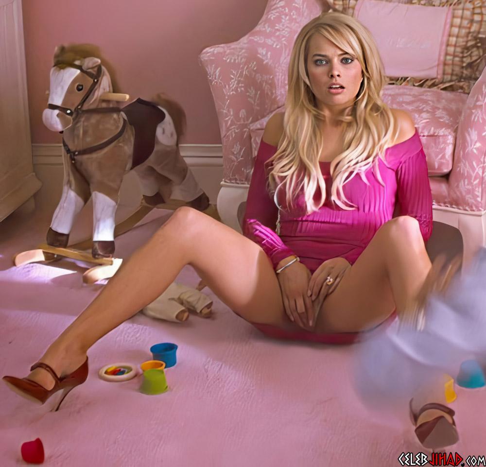 Margot Robbie masturbation