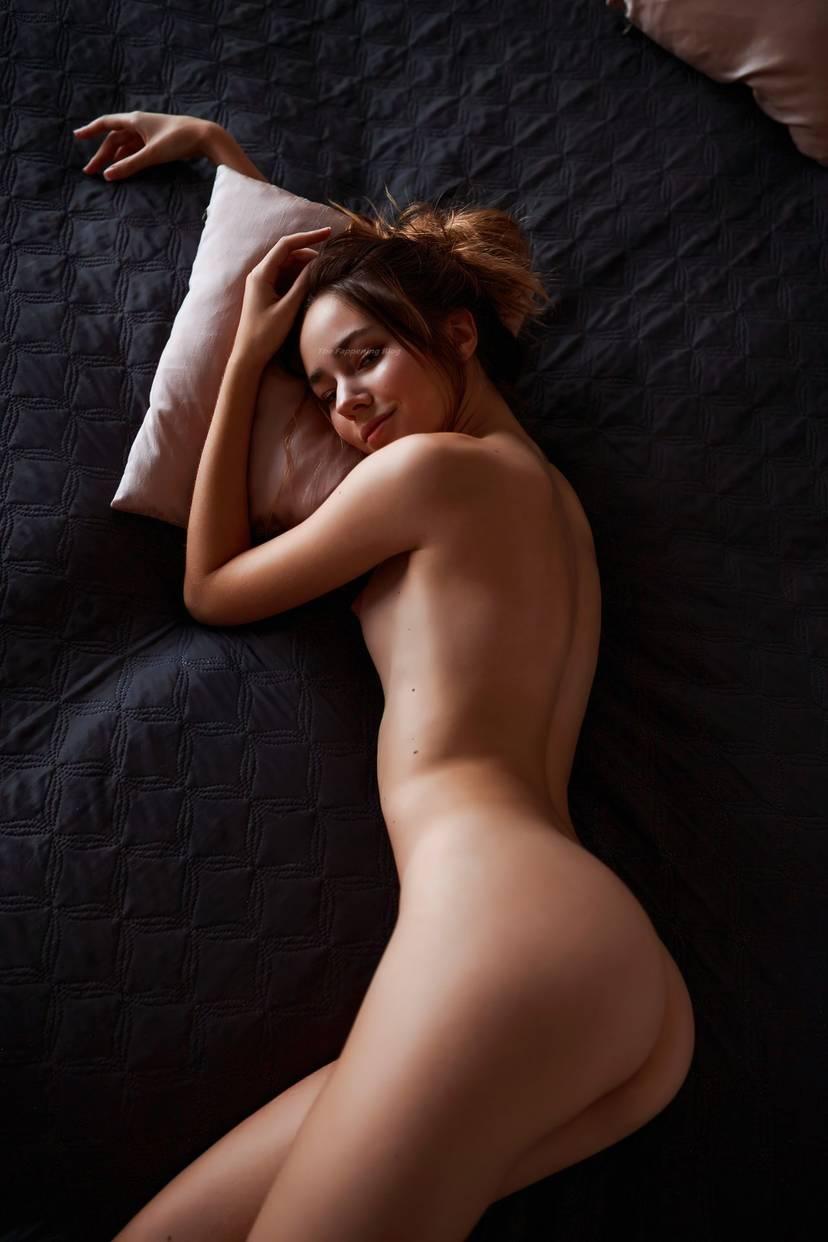 Marilhea Peillard  nackt